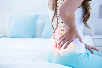 Osaako naprapaatti auttaa iskiasvaivoista ja puutumisesta kärisiviä?